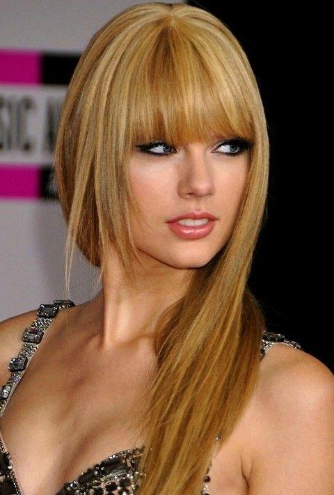 Taylor Swift penteados longos retos: Gloden Layered Cut
