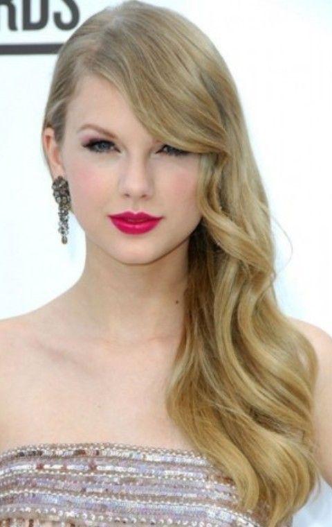 Taylor Swift Penteados: Radiant Penteado separaram-Side
