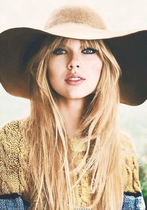 Taylor Swift Penteados: Natutal Hetero Layered corte de cabelo