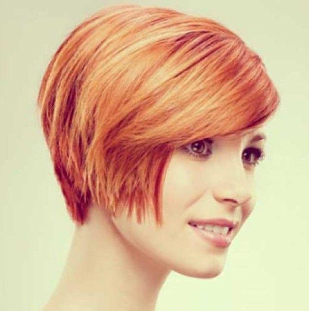 Chic corte de cabelo curto vermelho para mulheres