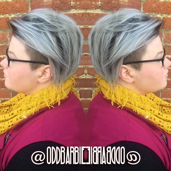 Penteado raspada curto para cabelo cinzento
