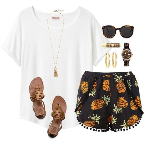 Branca T-shirt e modelados Shorts via