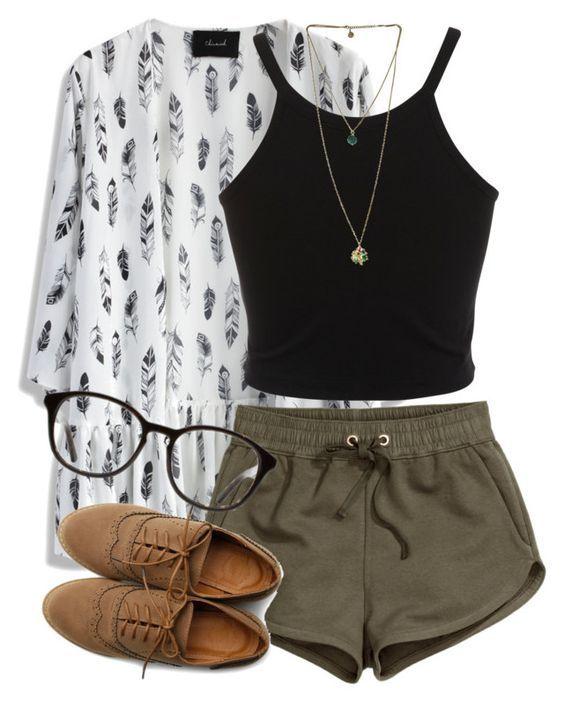 Black Top e escuro shorts verdes via