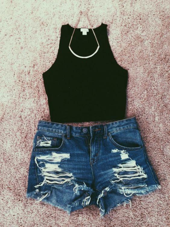 Simples Top e Shorts Cut-out via