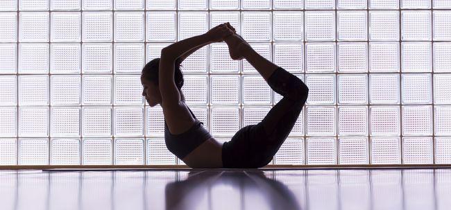 5 Yoga fácil coloca que vai curar períodos irregulares e dor menstrual
