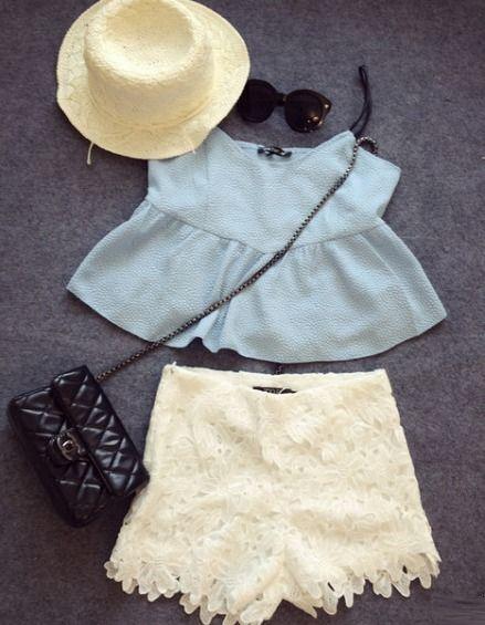Cropped Top e Shorts Renda