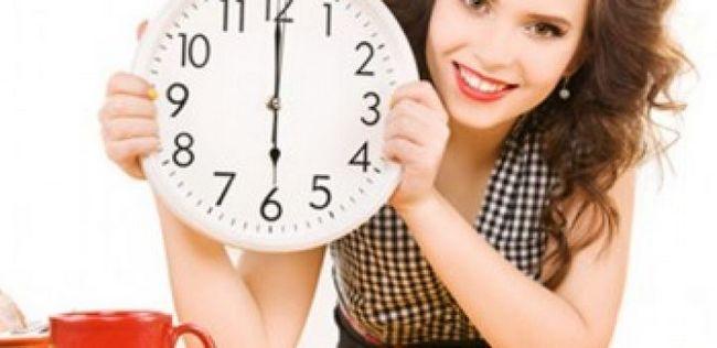 9 Grandes dicas de beleza sobre como se preparar para uma data em 15 minutos
