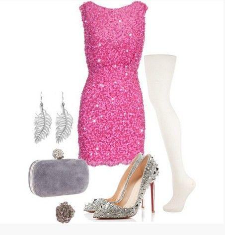 Uma coleção de combinações impressionante roupa para a festa de olhar