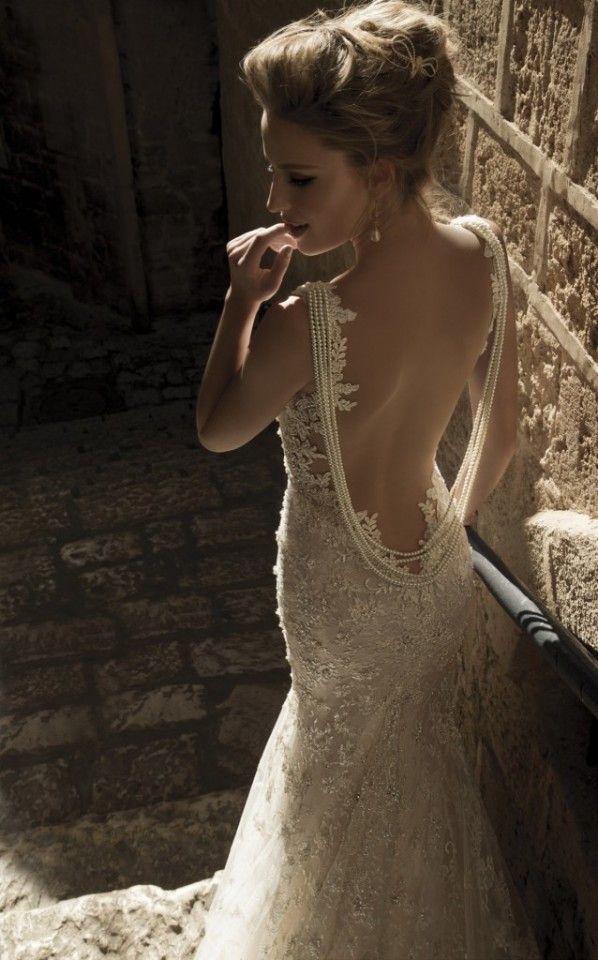 Uma coleção de vestidos de noiva romântico por lahav galia