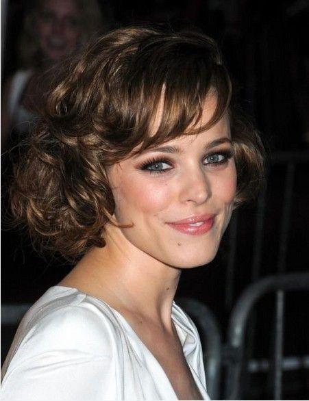 Penteados encaracolados adoráveis para cabelo de comprimento médio