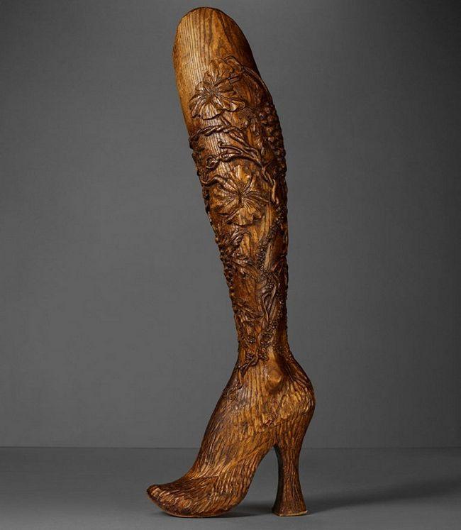 Aimee Mullins Alexander McQueen pernas de madeira