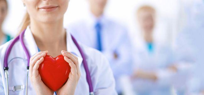 Você está sofrendo de pressão arterial elevada ou problemas cardíacos? Evitar esses alimentos a todo o custo!