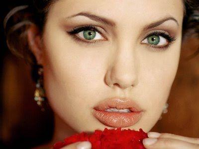 Melhores maneiras de manter seus produtos para os lábios de higiene