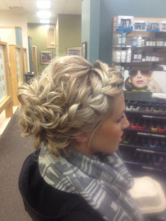 Prom penteados casuais: estes podem ser sexy também!