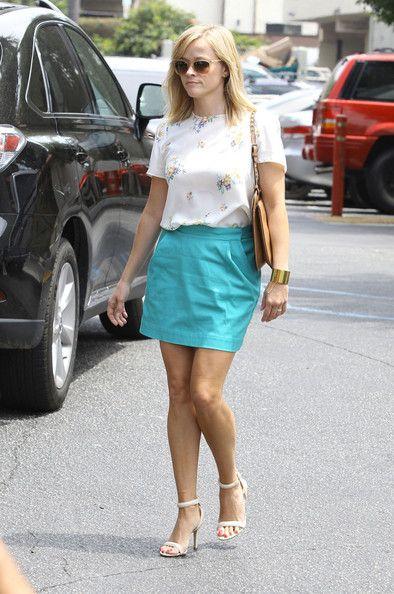 Estilo de celebridade: mini-saia ideias roupa quente para o verão