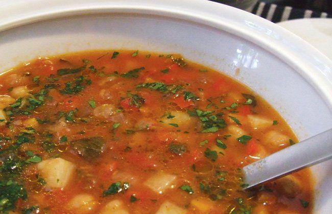 Grão de bico e sopa de pimenta vermelha receita - Mulheres`s Health & Fitness
