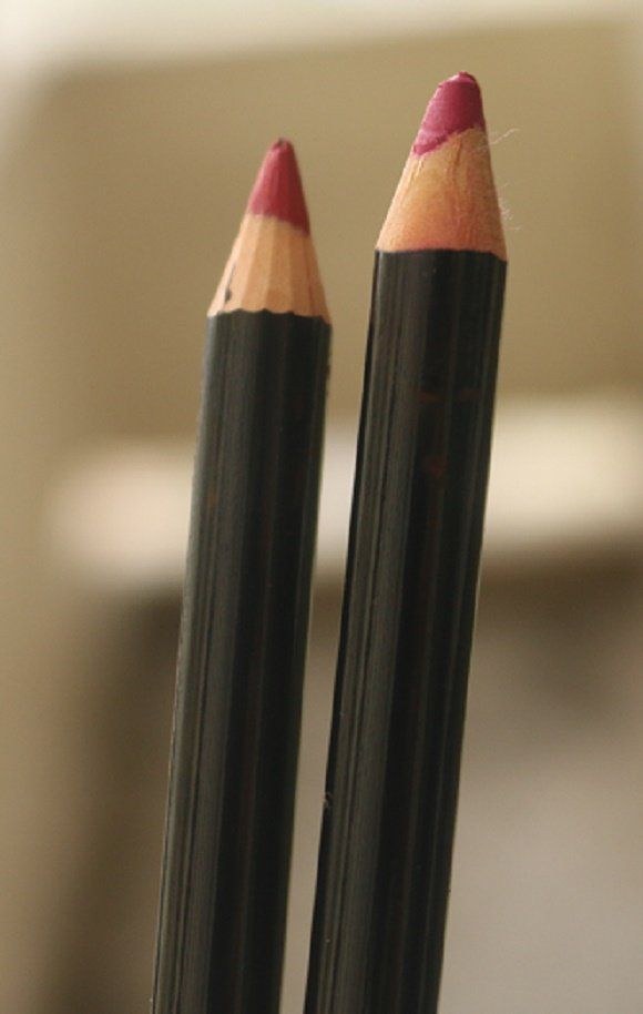 Colorbar delineador de lábios tom vermelho claro e berry comentário & swatches aumentou