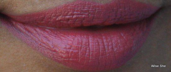 Colorbar rosa Chiffon Matte Toque lipswatch