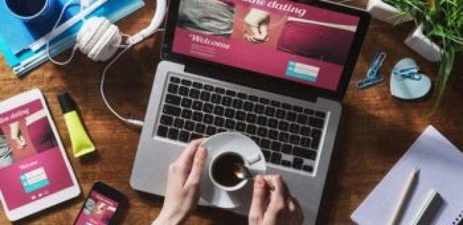 Considerando namoro on-line? 10 prós e contras que você precisa saber sobre
