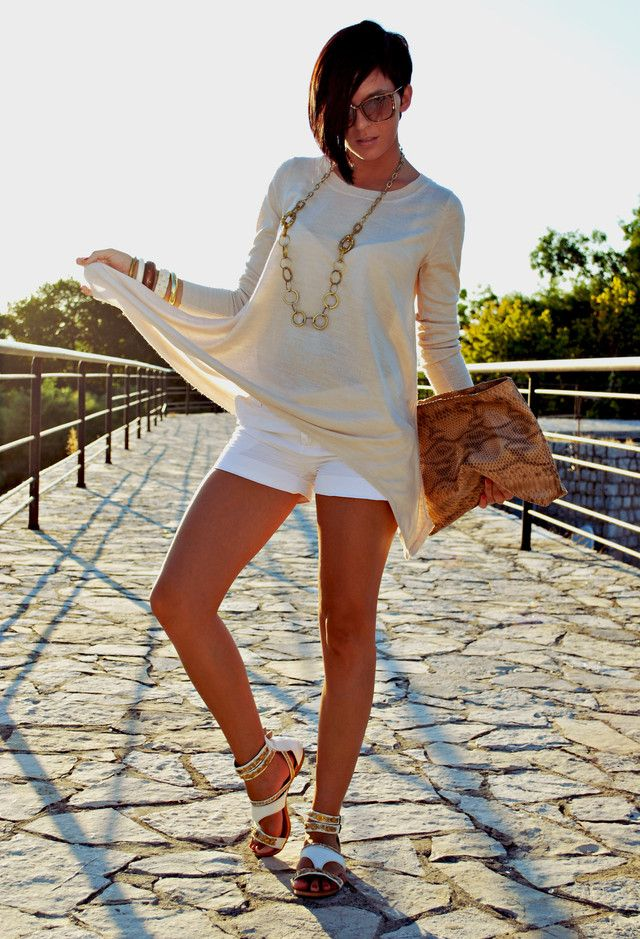 Todos Idea Branco Outfit com Shorts