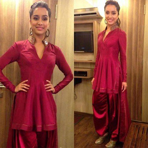Sharaddha Kapoor em trajes queda