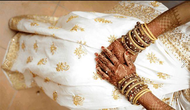 Diferentes tipos de pulseiras usado por mulheres casadas indianas
