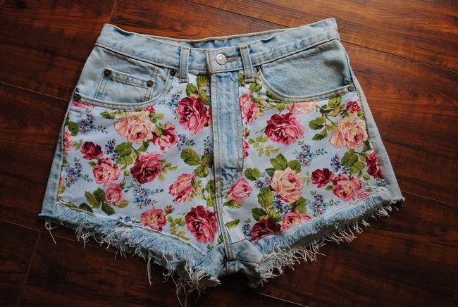 Shorts com flor impressão