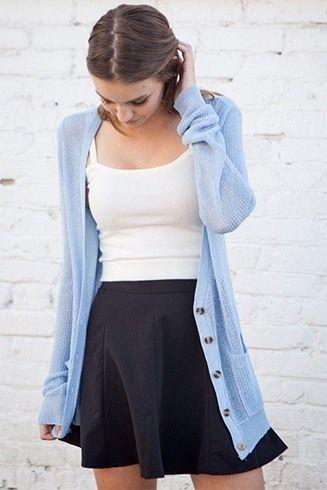 Preto saia e um casaco de lã azul Oversized
