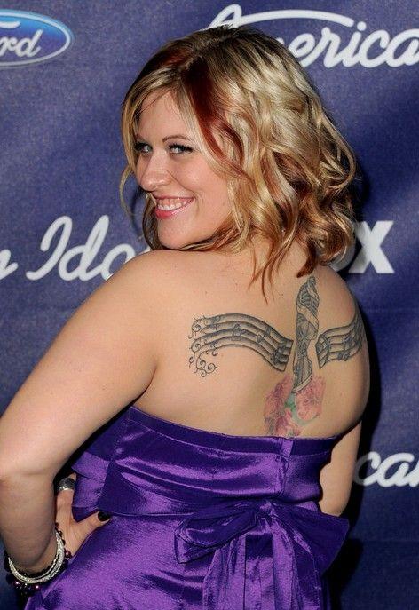 Tatuagens de erika van pelt - tatuagem desenho artístico na parte superior das costas