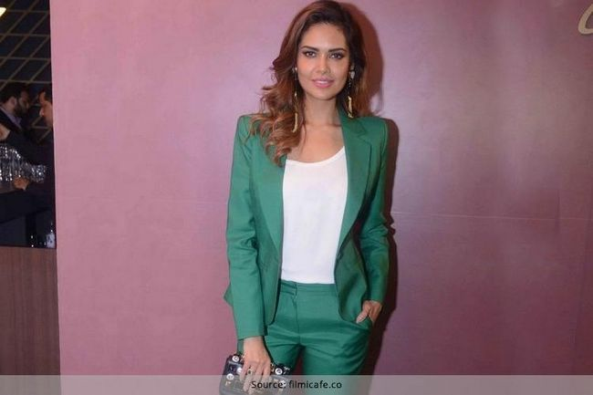 Esha Gupta na BMW Air Fair