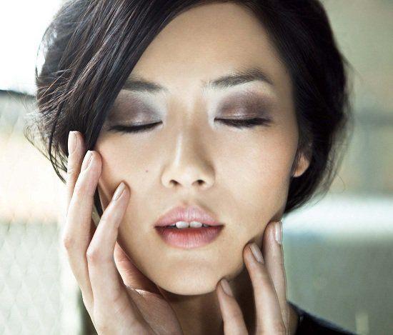 10 Dicas para fazer o rosto parecer mais fino com maquiagem