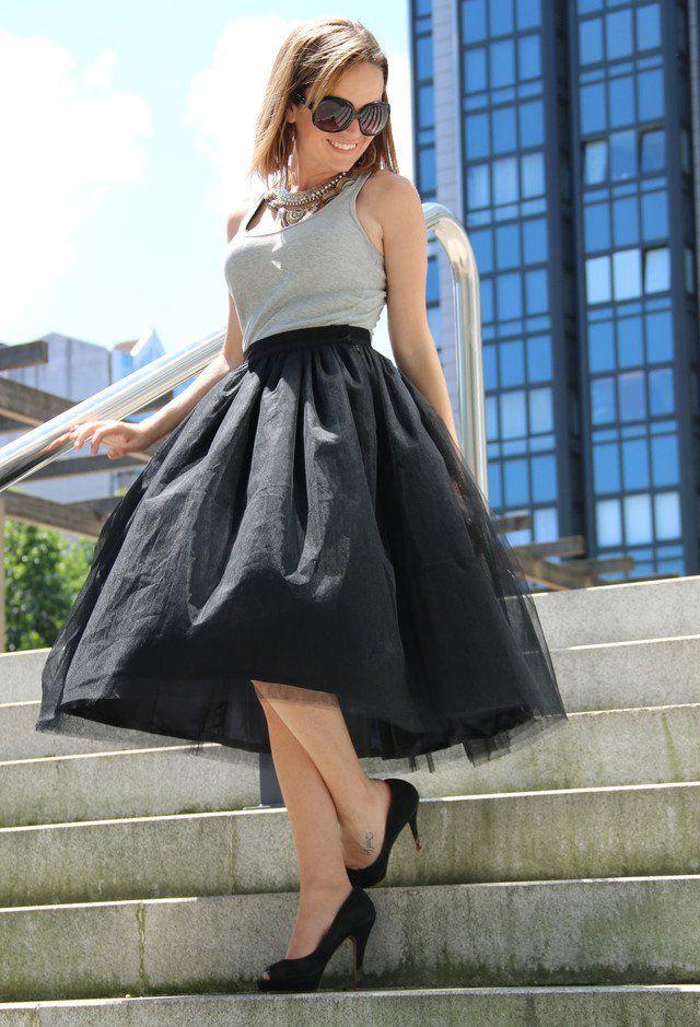 Simples Idea equipamento à moda com preto saia de Midi