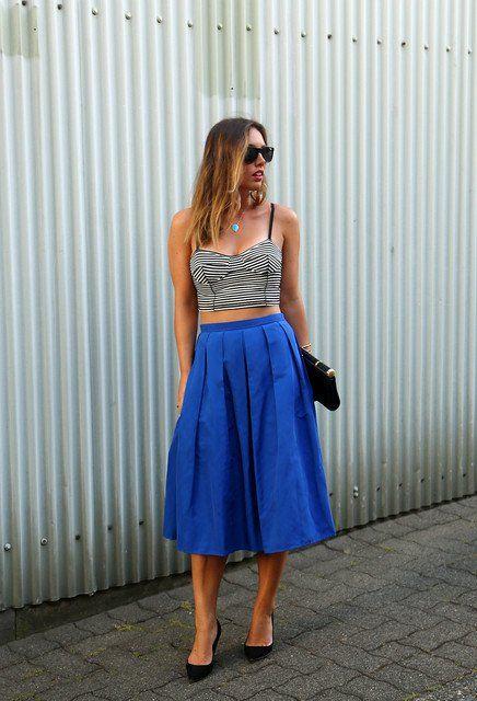 Ideia legal Outfit com azul saia de Midi