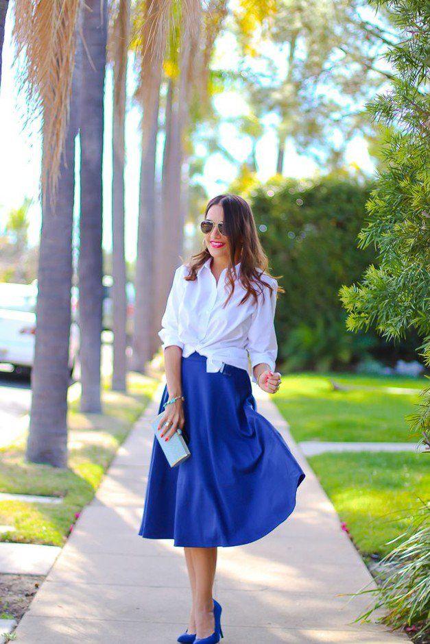Azul marinho saia de Midi Outfit Idea para a Primavera