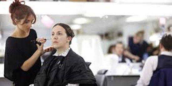 Cinco escolas de maquiagem em londres