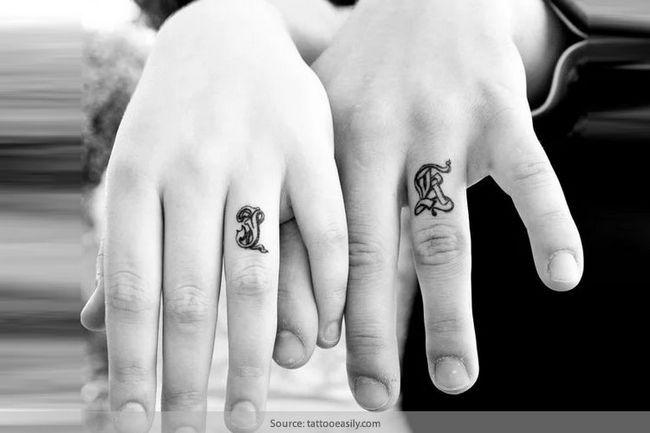 Tatuagem de casamento anéis: a nova forma de troca de votos