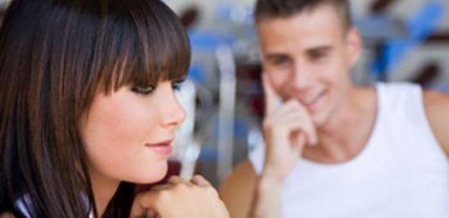 Flirting dicas para as meninas: como flertar como um profissional?