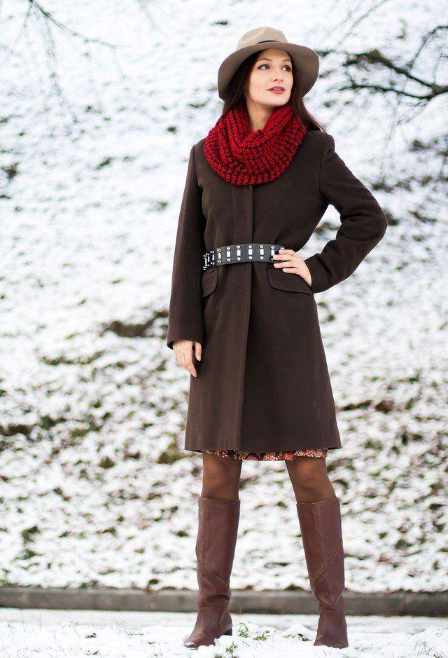Ir para uma aparência mais quente para o outono e inverno com um lenço