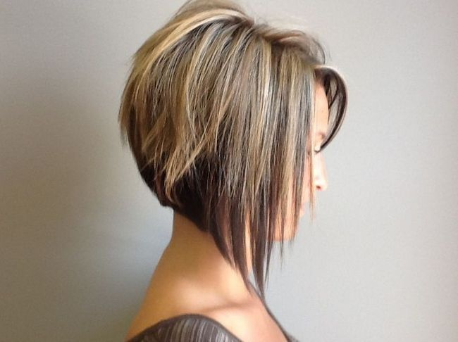 Formado corte de cabelo bob - curto penteados da moda para as mulheres