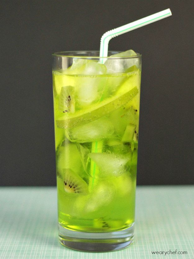 Verde Fizz Midori Cocktail