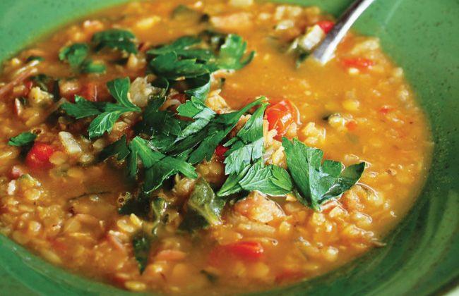 Presunto e sopa de lentilha receita - Mulheres`s Health & Fitness