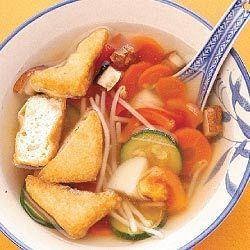 Frango saudável e sopa de legumes