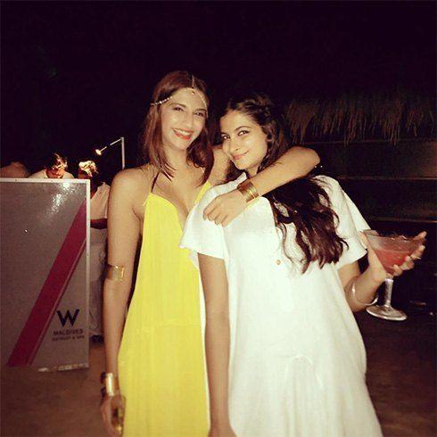 Sonam Kapoor Chloe amarelo vestido maxi