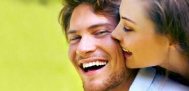 Como ser feliz em um relacionamento? 10 dicas de relacionamento casais felizes usam