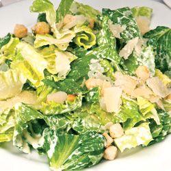 Como fazer uma salada caesar saudável