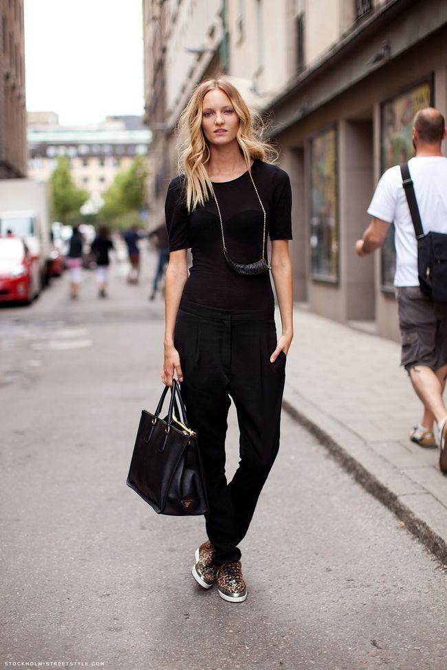 Como fazer suas roupas pretas se destacar e ser uma senhora de preto