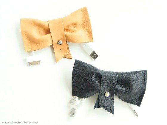 Titular Cord Bow