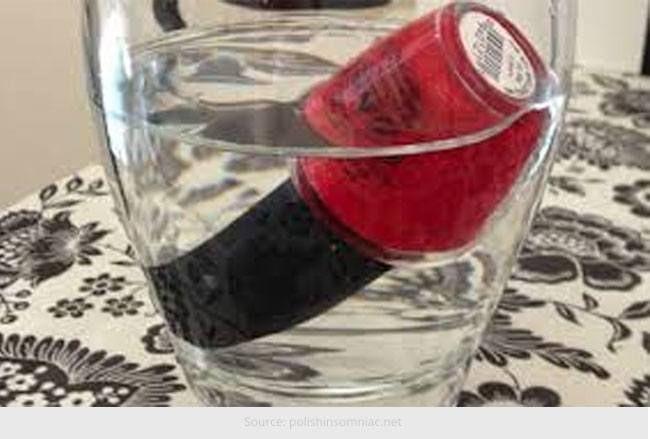 Como para descolar a composição líquida de suas garrafas