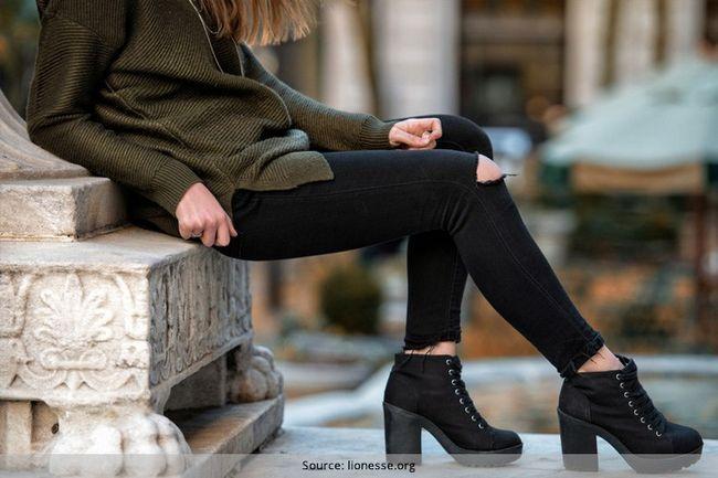 Como lavar calça jeans preta e mantê-los