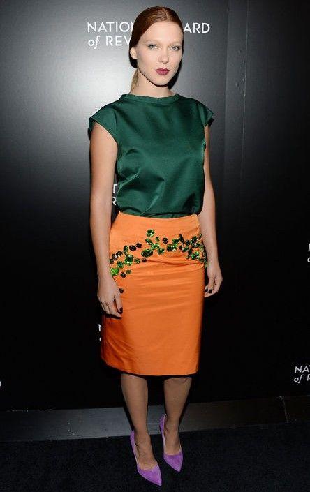 Léa Seydoux Prada sedosa arquitectónico de colarinho alto no verde esmeralda para a jóia-tom ideias primavera roupa